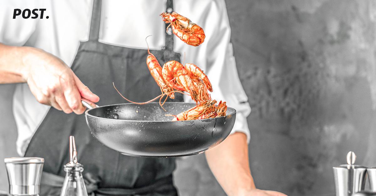 Konsep bisnis cloud kitchen atau yang biasa disebut juga dengan ghost kitchen belakangan mulai berkembang di Indonesia. Selain resiko kerugian yang rendah