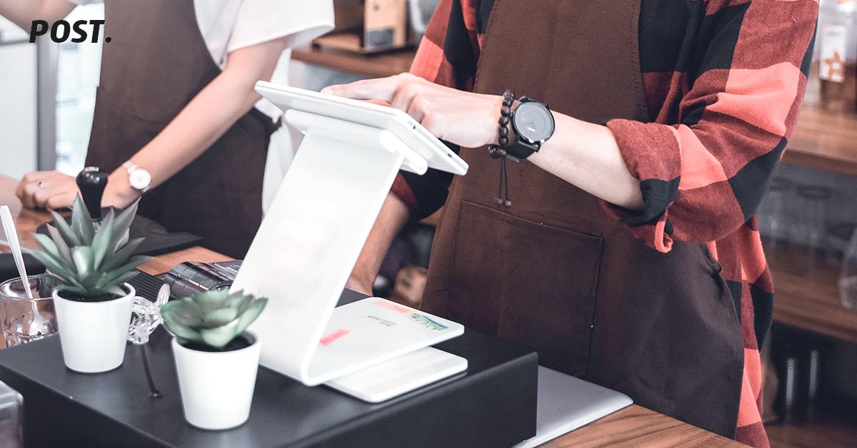 Aplikasi kasir POST kini telah bekerja sama dengan OVO sebagai salah satu opsi pembayaran secara digital. Bagi kamu yang hendak mengaktifkannya sebagai opsi pembayaran, OVO sendiri memiliki berbagai keuntungan, baik untuk bisnis kamu maupun untuk para pelanggan kamu.