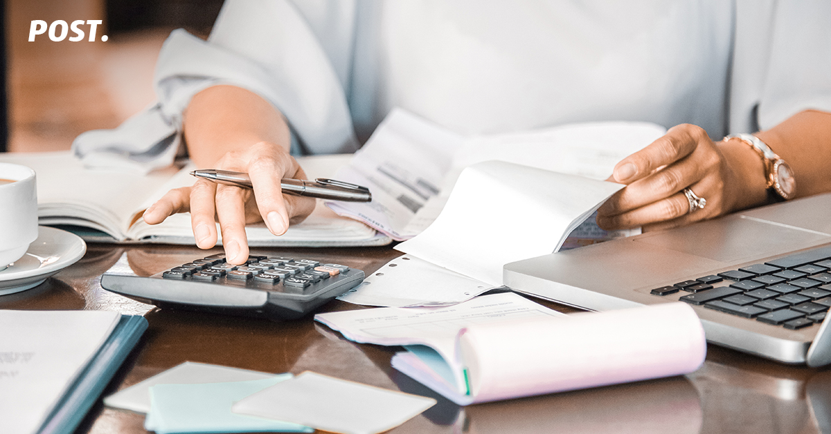 Manajemen Biaya atau Expense Management merupakan sebuah tantangan bagi bisnis yang baru berjalan maupun yang sudah mature atau dewasa. Maksudnya disini adalah berapapun usia sebuah bisnis, manajemen biaya tetap perlu diperhatikan pergerakannya karena manajemen biaya merupakan kunci dari cash flow bisnis tersebut.