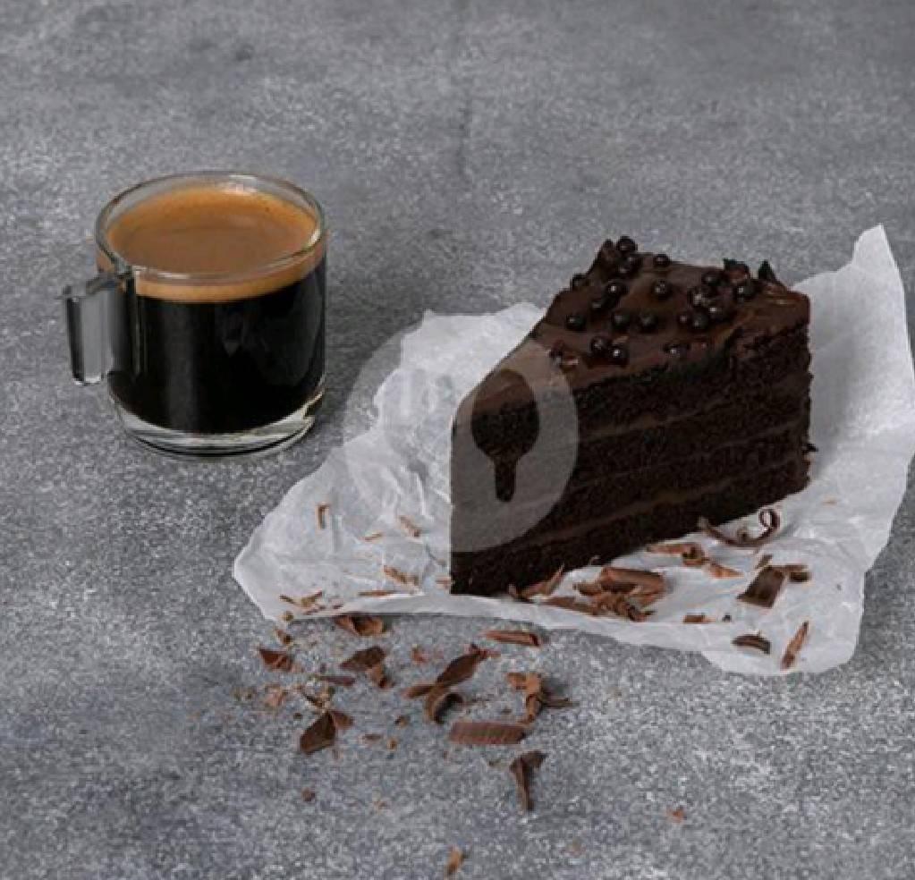 starbucks americano and chocolate cake